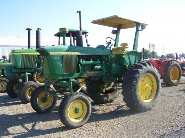 183: John Deere 4020 Hi Crop Farm Tractor
