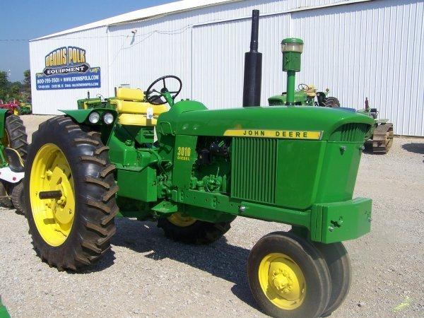 288: John Deere 3010 Narrow Front Farm Tractor