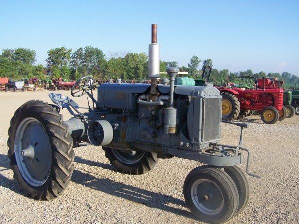 290: Minneapolis Moline MTA Antique Farm Tractor