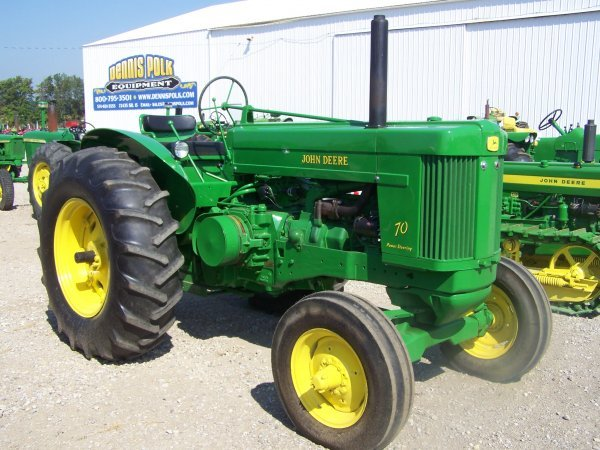 291: John Deere 70 Wide Front Antique Farm Tractor