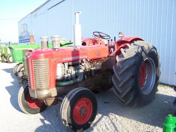 525: Massey Ferguson 98 Diesel Antique Tractor