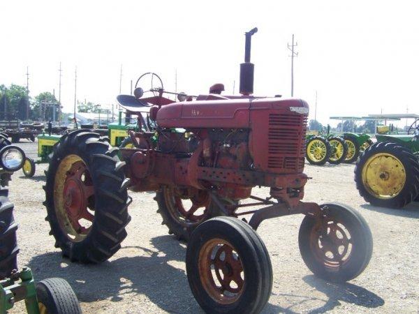 263: IH Farmall M Hi Crop Farm Tractor, Gas