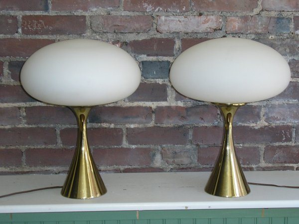 30: Lighting: Pair of Laurel mushroom table lamps
