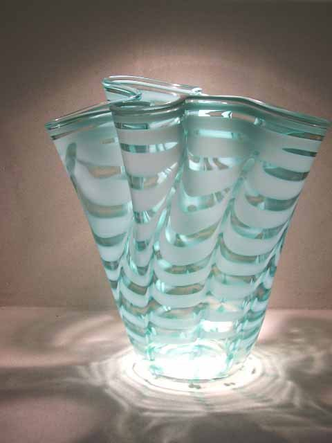 93: Murano glass: Handkerchief vase by Tyra Lundgren