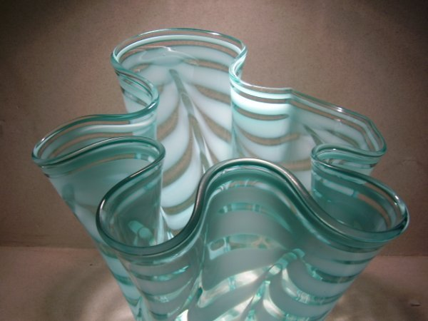 93: Murano glass: Handkerchief vase by Tyra Lundgren - 2