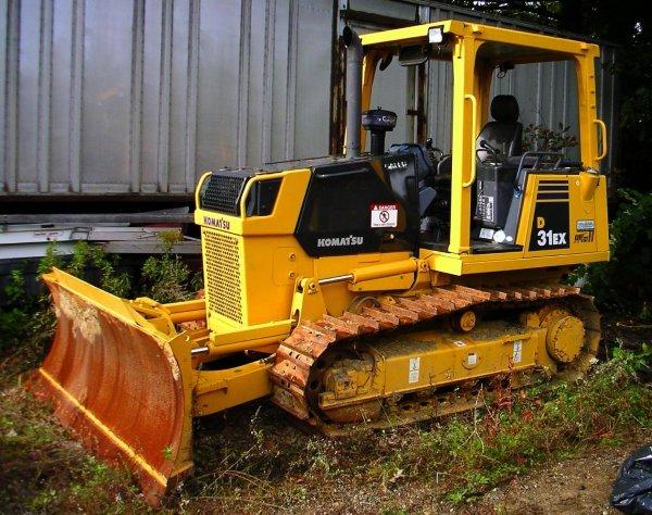 24: 2007 Komatsu D-31 Bulldozer