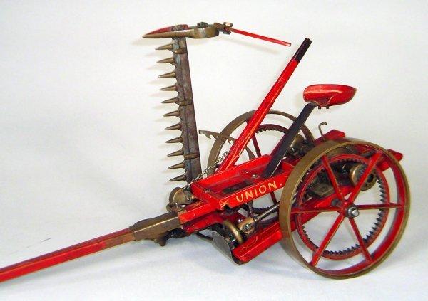 74: Vintage Union Mower Salesman Sample