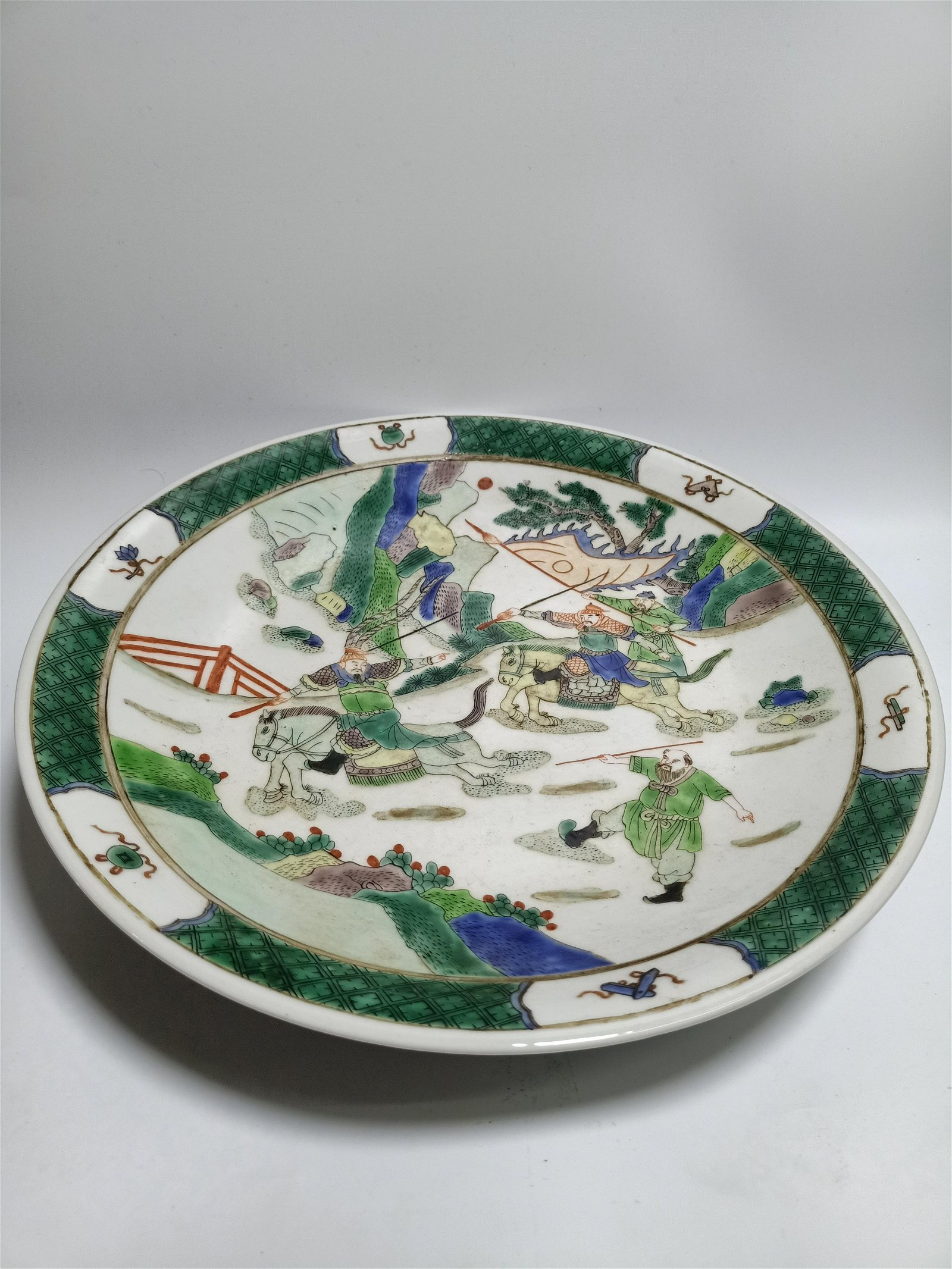 Famille rose figure porcelain plate in Qing Dynasty