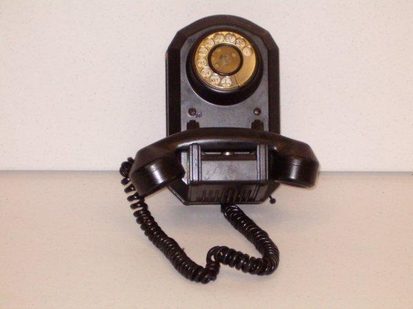 16: TELEPHONE