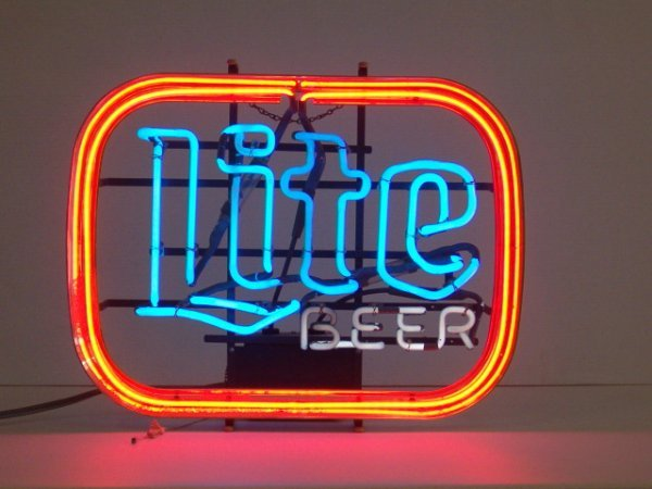 1002: NEON SIGN (LITE BEER) (WORKS) (CAMPBELL'S CAN NOT