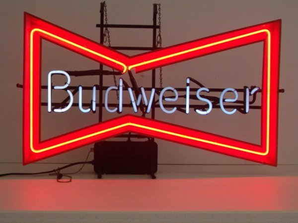 1003: NEON SIGN (BUDWEISER) (WORKS) (CAMPBELL'S CAN NOT