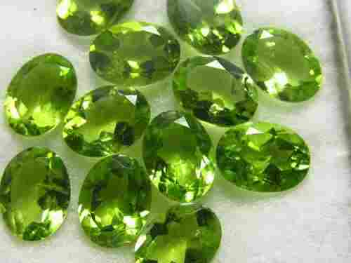 Peridot 8X6 MM Oval Faceted Cut 25 Pieces