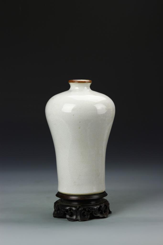 Chinese White Glazed Meiping Vase