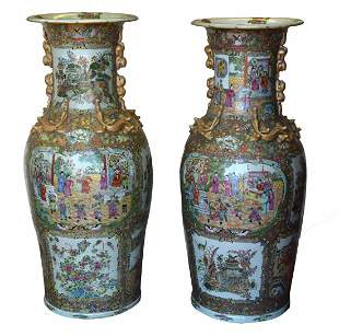 Large Pair of Chinese Rose Medallion Vases