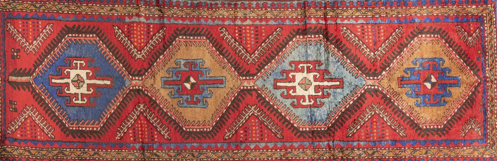 """Handwoven Persian Bidjar Runner 3' 4"""" x 9' 5"""""""