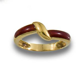 GOLD RING WITH BURGUNDY ENAMEL ARMS