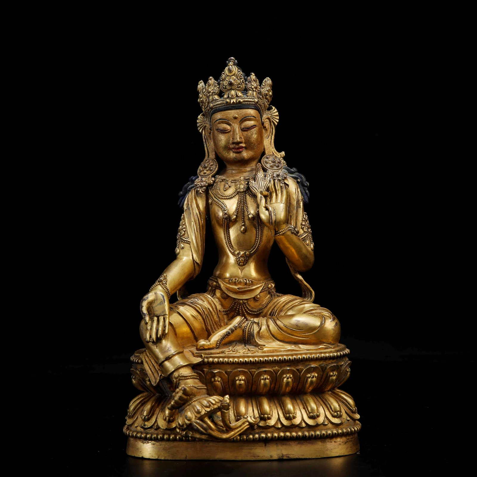 A CHINESE GILDED BRONZE STATUE OF GREEN TARA