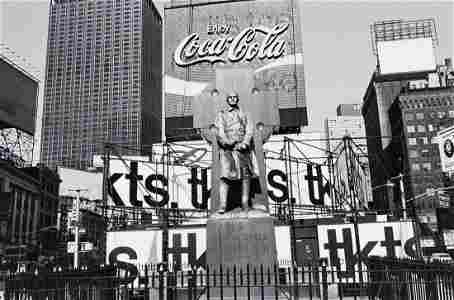 LEE FRIEDLANDER Father Duffy Times Square 1974 ICON