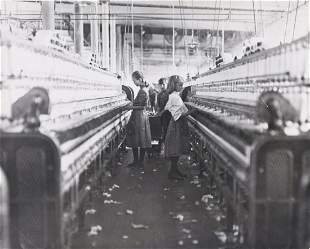 LEWIS HINE Spinners & Doffers 1908