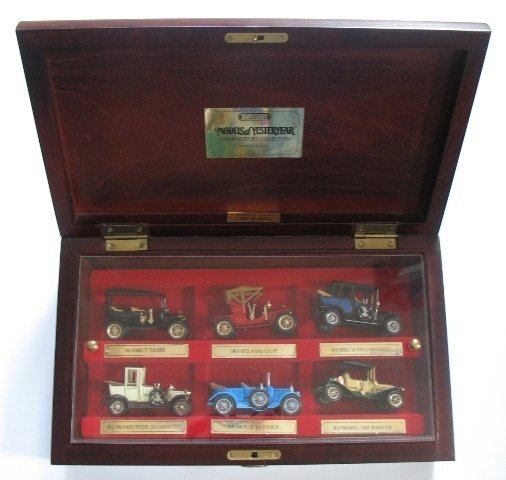 10: Matchbox Yesteryear YY60 Connoisseurs Set
