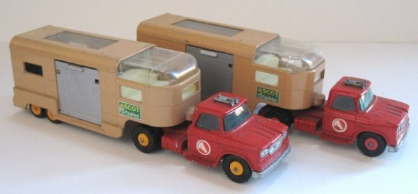 17: 2x Matchbox Kingsize K-18 Horse Box - YELLOW HUBS