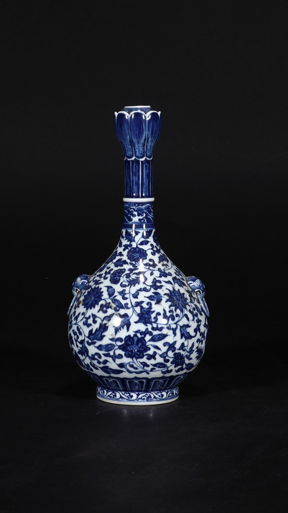 BLUE & WHITE 'FLORAL SCROLL' LONG-NECK VASE WITH