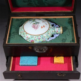 SET OF LUJUB WARE CLAY BOX, FAMILLE-ROSE MOON FLAKE