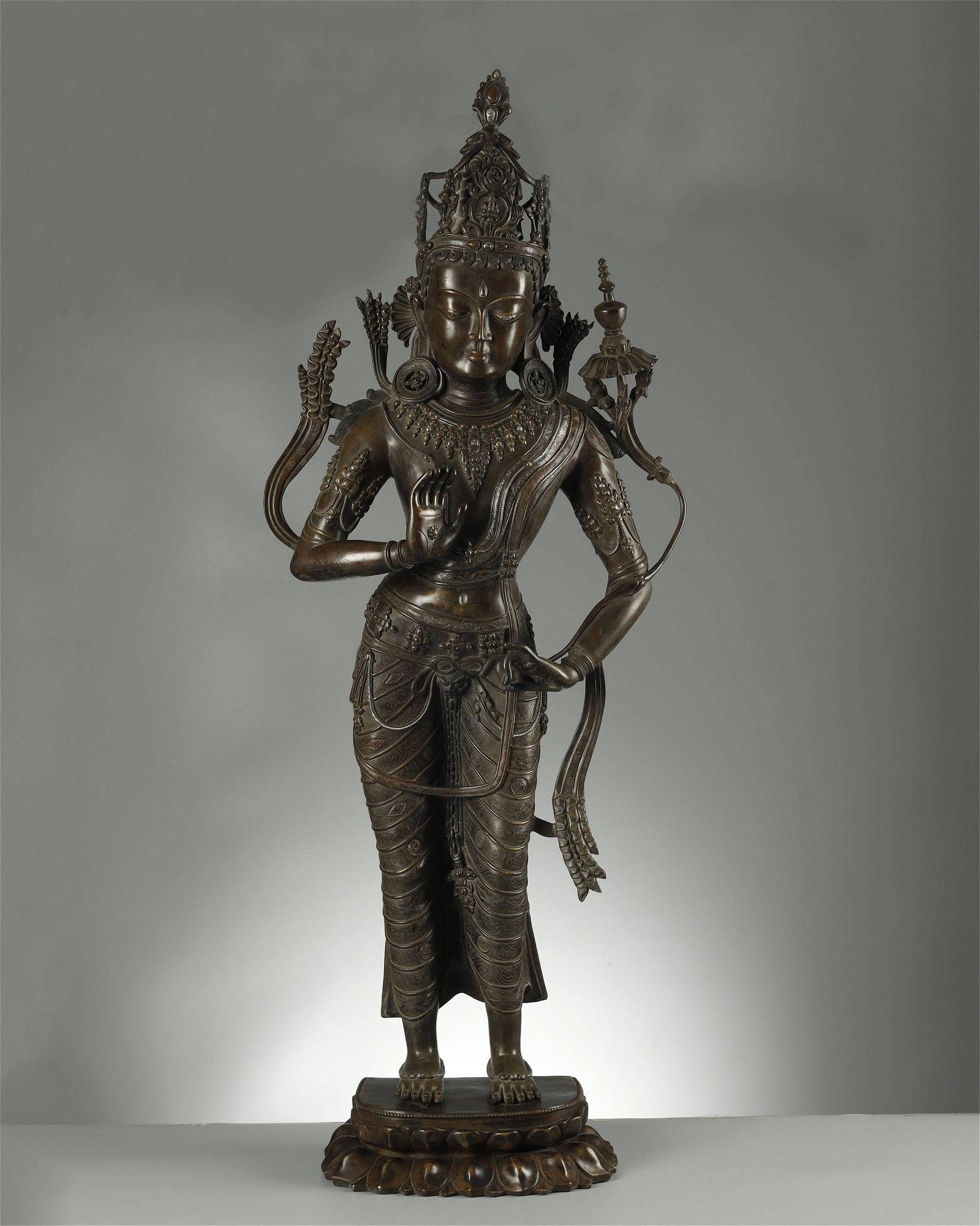 A FINE SILVER-INLAID BRONZE BUDDHA STATUE,QING