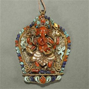 QING DYNASTY,CORAL PARCEL-GILT SILVER PENDANT
