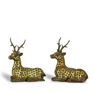 A PAIR OF FINE GOLD-INLAID BRONZE DEERS,WARRING STATES