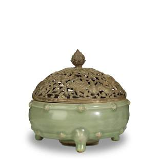 SONG DYNASTY,LONGQUAN-CELADON CENSER AND SILVER COVER