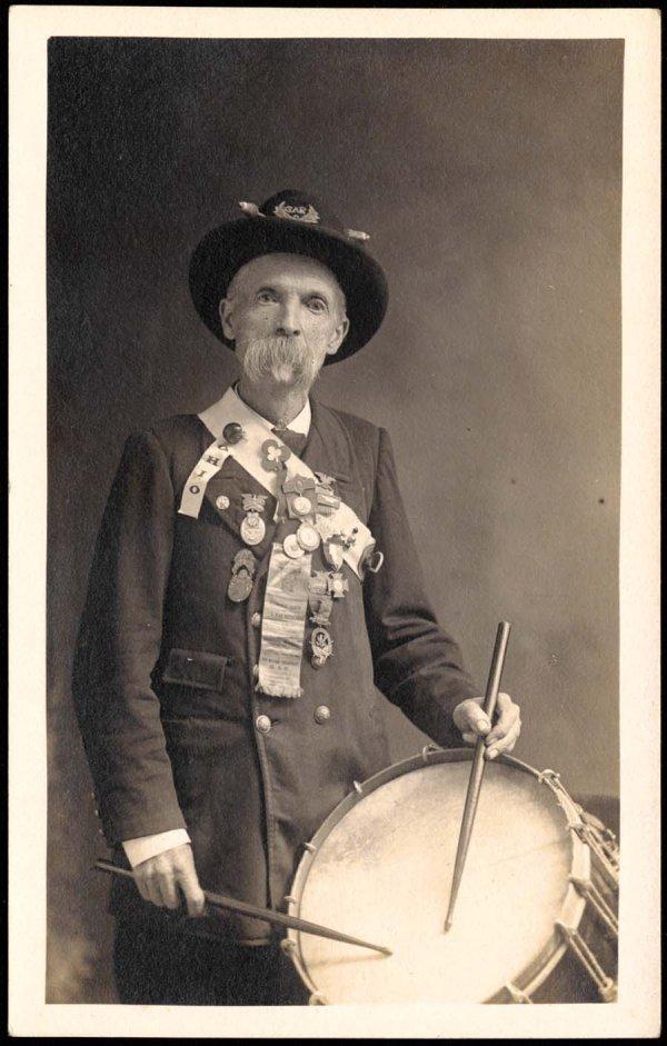 1246: RetiredConfederateSoldierinUniform With Drum