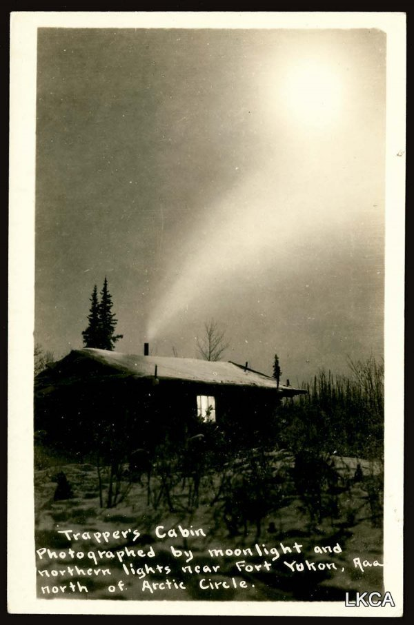 1455:     RPPC Cabin, Moon and Northern Lights     Trap
