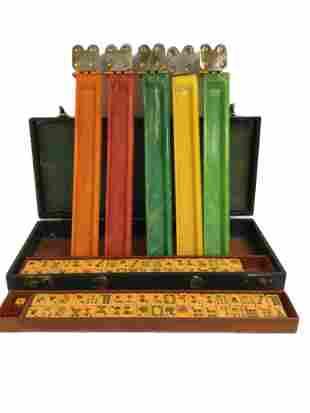 Vintage Bakelite Mah Jong Set 152 tiles & 5 racks
