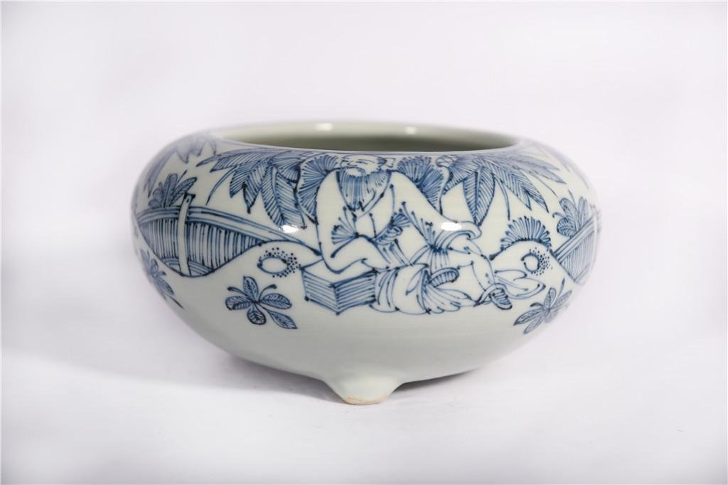 A Blue and White Water Container Qing Dynasty