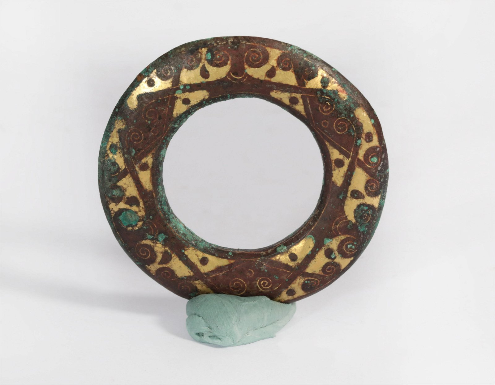 A Parcel Gilt Bronze Rings Warring States Period