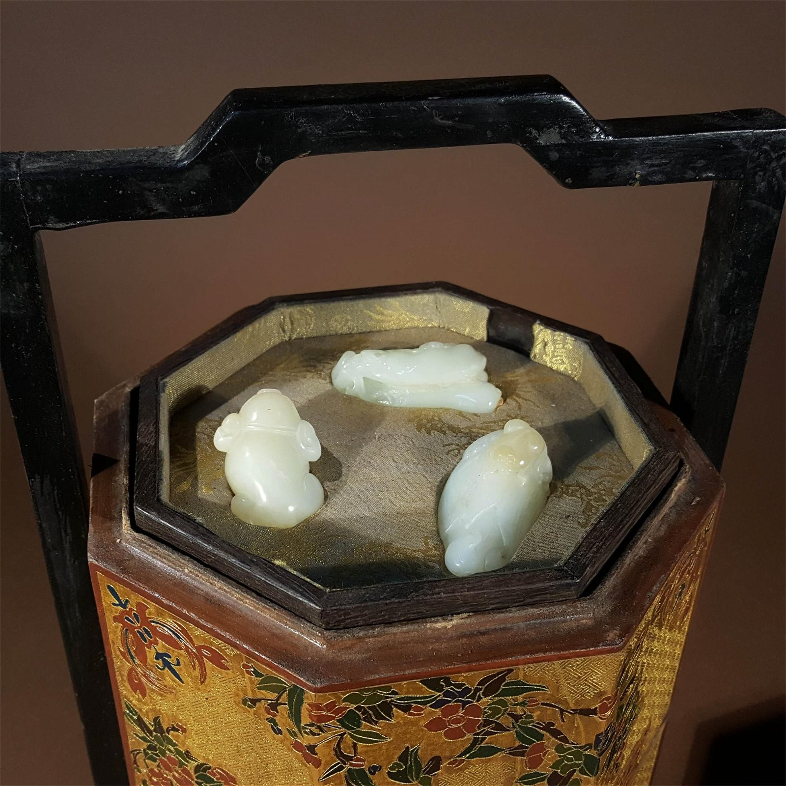 A QING DYNASTY CARVED WHITE JADE BOX SET