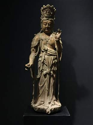 A SONG DYNASTY CARVED WOOD GUANYIN STATUE