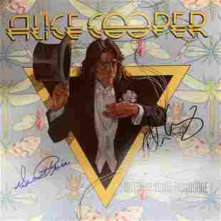 Alice Cooper Welcome To My Nightmare signed album