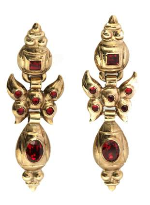 A 20th century Catalan or Aragonese earrings in 18k.