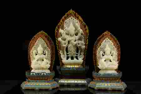 A Set of White Jade Figures of Guanyin