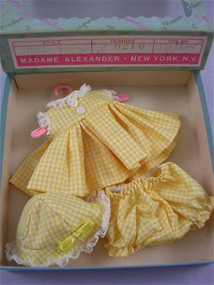 """BOXED OUTFIT FOR 8"""" LITTLE GENIUS"""
