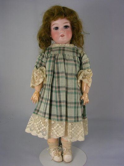 "18E: 17"" GERMAN BISQUE HEAD DOLL IN BOX BOTTOM"