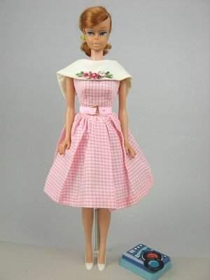 "Swirl Ponytail Barbie wearing ""Dancing Doll"""