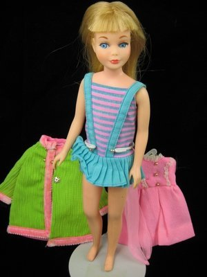 5: SKIPPER IN ORIGINAL SWIMSUIT WITH 3 EXTRA OUTFITS