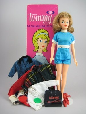 15: IDEAL TAMMY IN ORIG BOX W/CLOTHING AND ACCESSORIES