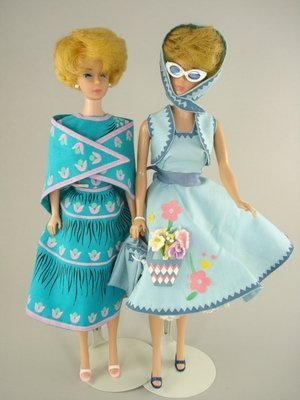 6: TWO BLONDE BUBBLECUT BARBIES IN SEW-FREE FASHIONS