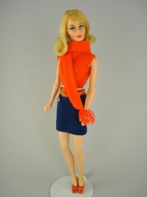 "13: BEAUTIFUL BLONDE FLIP TNT IN ""SHIFT INTO KNIT"""