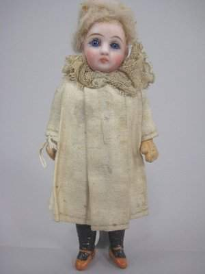 """5"""" CLOSED MOUTH BISQUE SOCKET HEAD DOLL"""