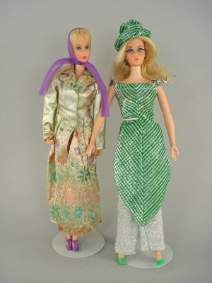 605: BUSY & LIVE ACTION BARBIES IN COMPLETE OUTFITS